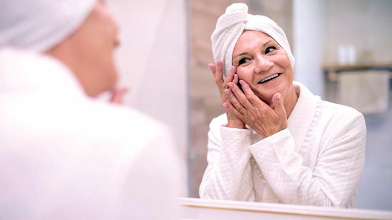 Cuidado de la piel después de los 60s
