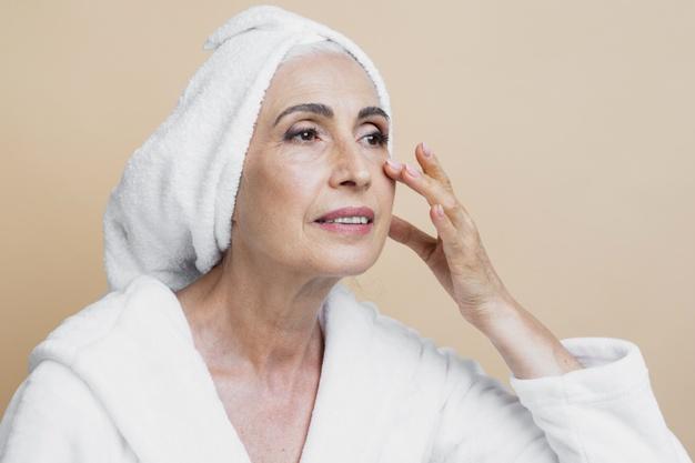 Ácido hialurónico: Una molécula clave en el envejecimiento de la piel