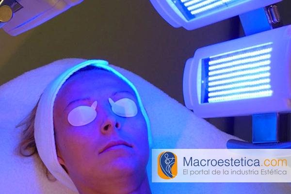 Mecanismo de reacción de la terapia de luz PUVA  para enfermedades de la piel
