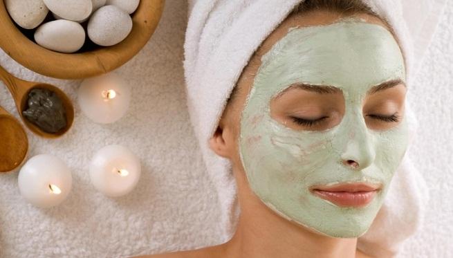 Diseño y desarrollo de dos mascarillas faciales para el acné con quitina como sustancia bioactiva