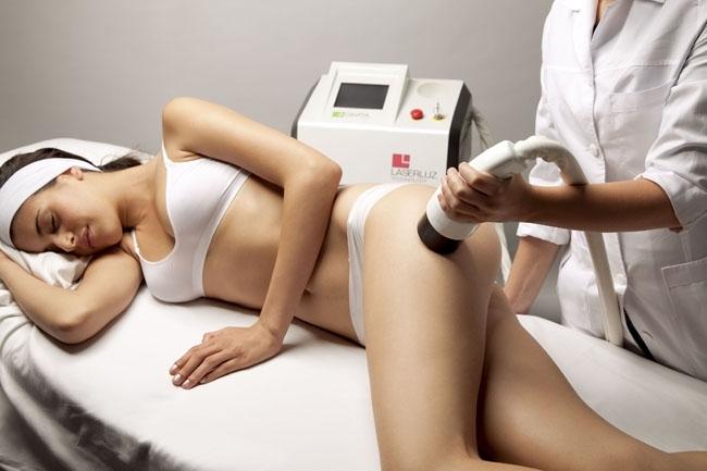 Efectos de la acción de los ultrasonidos en prótesis cementadas de cadera
