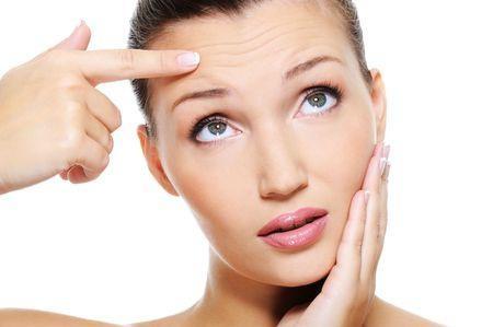 Efecto del embarazo y la menopausia en las arrugas faciales