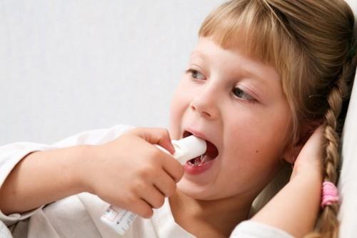 Los antibióticos podrían dañar el metabolismo de tu bebé: estudio