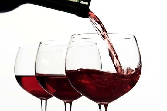 Con moderación, el alcohol es beneficioso para la salud femenina