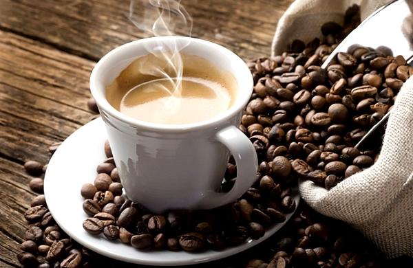 Mucho café podría ser la causa de dolores de cabeza