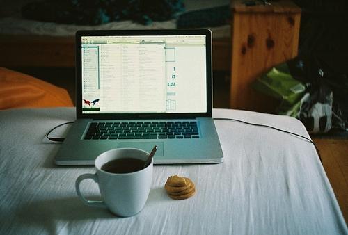 Un café para cometer menos errores en el trabajo