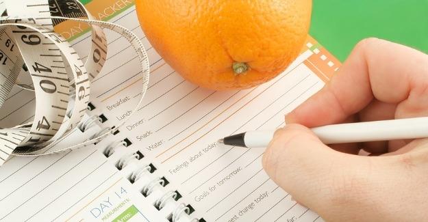 Anotar lo que se come cada día ayuda a bajar de peso