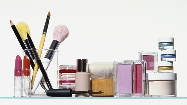 La UE prohíbe la venta de todos los cosméticos probados con animales