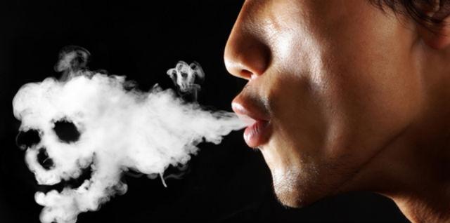 """Fumar hace que las \""""superbacterias\"""" se vuelvan todavía más resistentes"""