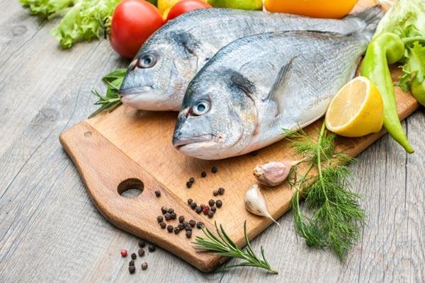 Más pescado, menos ataques al corazón