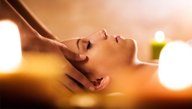 Rutina de limpieza facial y tratamientos profesionales