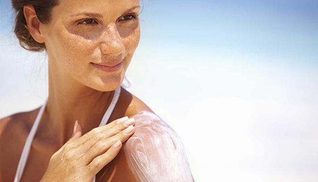 ¿-la-proteccion-solar-de-uso-diario-en-realidad-evita-el-melanoma